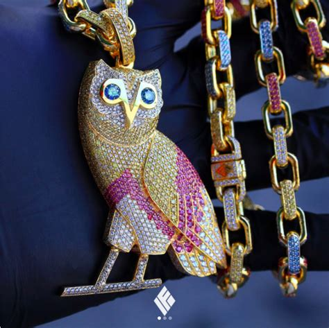 Drakes New OVO Owl Chain Costs $120,000 - JetMag